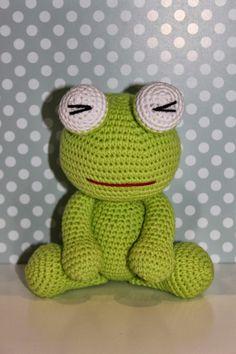 Me ha salido rana! Crochet Frog, Cute Crochet, Crochet Crafts, Crochet Projects, Crochet Stitches Patterns, Crochet Patterns Amigurumi, Amigurumi Doll, Crochet Dolls, Teddy Bear Images