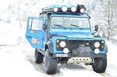 Land Rover Defender 110 Td5- Blue on snow time.