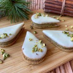 Arašídová kolečka se slaným karamelem - Víkendové pečení Mini Cheesecakes, Panna Cotta, Eclairs, Pavlova, Sugar, Cookies, Tart, Ethnic Recipes, Desserts