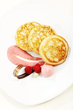 Lívance-malinová-pěna-1 Polenta, Pancakes, Breakfast, Food, Breakfast Cafe, Pancake, Essen, Yemek, Meals