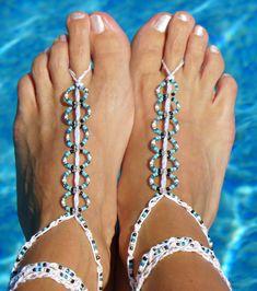 Easy Barefoot Sandals - A step by step tutorial ༺✿ƬⱤღ  https://www.pinterest.com/teretegui/✿༻