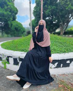Moslem Fashion, Niqab Fashion, Fashion Outfits, Hijabi Girl, Girl Hijab, Hijab Style Tutorial, Hijab Fashionista, Muslim Women Fashion, Muslim Dress