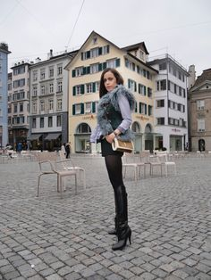 Sandra Bauknecht: I am just going to come right out and say it: striped shirting is probably the most versatile wardrobe trend you'll ever come across. Being never out of style Tall Boots, Black Boots, Knee Boots, High Boots, Shearling Vest, Fashion Boots, Riding Boots, Vintage Fashion, Mini Skirts
