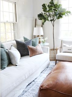 Pillow Combos – Danielle Oakey Shop LOVE the subtle colors Living Room White, White Rooms, New Living Room, My New Room, Home And Living, Target Living Room, Beige Living Rooms, Design Living Room, Living Room Interior