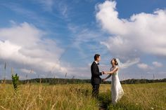 On top of the Shenandoah sits a large open expanse of land called Big Meadows and it's the perfect place for a mountain wedding next to the clouds! Shenandoah National Park, Perfect Place, Destination Wedding, How To Memorize Things, National Parks, Clouds, Weddings, Couple Photos, Big