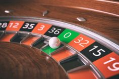 Roulette Wheel Closeup - Rendering by Casino theme. Creative Gift Baskets, Wheel Tattoo, Vegas Vacation, Video Poker, 3d Background, Casino Theme Parties, 3d Rendering, Online Casino, Close Up
