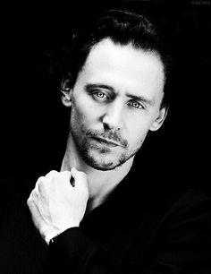 Tom Hiddleston Look at his eyes here OMG