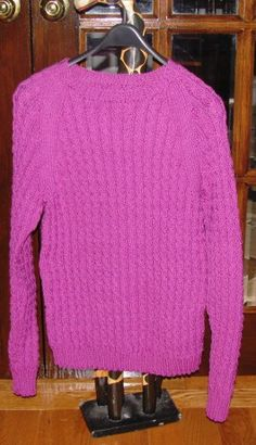 Pink Cable Raglan Sweater By Chris Knits In Niagara - Free Knitted Pattern - (chrisknitsinniagara.blogspot)
