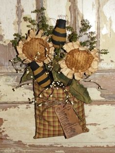 Primitive Daisy Wall Pouch With Bees by nellie Primitive Fall, Primitive Homes, Primitive Crafts, Primitive Country, Primitive Christmas, Country Christmas, Christmas Christmas, Country Fall, Cowboy Christmas