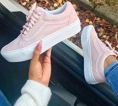 54 Trendy Ideas For Sneakers Vans Men Footwear Vans Old Skool, Sneakers Fashion, Fashion Shoes, Shoes Sneakers, Shoes Heels, High Heels, 90s Fashion, Platform Sneakers Outfit, Light Pink Sneakers