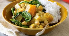 Easy, tasty and healthier than takeaway, this vegie-packed dish is perfect Friday-night fare. Vegetarian Curry, Chickpea Curry, Vegetarian Recipes, Healthy Recipes, Vegetable Curry, Vegetable Recipes, Vegetable Stock, Zucchini Curry, Dhal Recipe