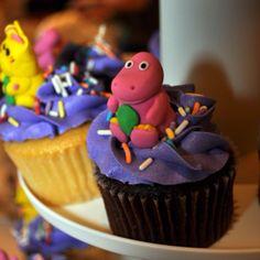Barney cupcake