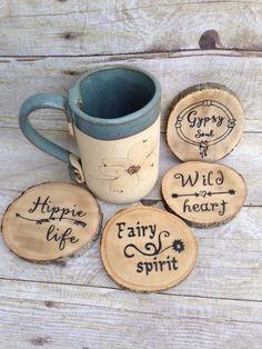 Coasters Boho Coasters Wood Coaster Set Hippie by YoursTrulyKatieJ Wood Burning Crafts, Wood Burning Patterns, Wood Burning Art, Wood Crafts, Custom Coasters, Wood Coasters, Diy Home Decor Rustic, Boho Decor, Gypsy Decor