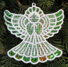 Mylar® Machine Embroidery Designs with K-Lace Sewing Machine Embroidery, Free Machine Embroidery Designs, Embroidery Ideas, Christmas Applique, Christmas Embroidery, Applique Templates, Applique Patterns, Picture Design, Diy And Crafts