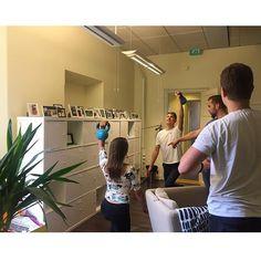 Tiistaitreenit toimistolla 🙌😎 #kahvakuula #jaksaajaksaa #treenitiistai…