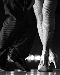 tango Shall We Dance, Lets Dance, Dance Photos, Dance Pictures, Irish Dance Shoes, Dancing Shoes, Tango Dancers, Tango Shoes, Tango Dress