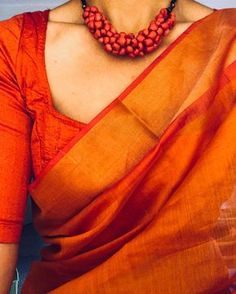 Looking for stylish blouse designs for sarees? Here are chic blouse models with fancy neck and sleeve designs that you can wear with any saree. Raw Silk Saree, Silk Cotton Sarees, Pure Silk Sarees, Silk Blouses, Nalli Silk Sarees, Cotton Saree Blouse, Cotton Linen, Indian Attire, Indian Outfits