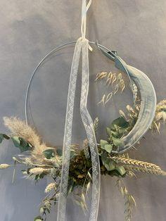 Dry Flowers, Plant Hanger, Wreaths, Plants, Decor, Dried Flowers, Planting, Tulips, Decoration