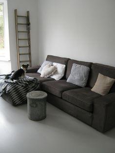 Loft kiezel laminaat VT wonen. 23,99 euro per m2 Karwei. Het vtwonen Loft laminaat kiezel 1,86 m² parket is een bijzonder modieuze vloer. De kliklaminaat vloeren van vtwonen Loft zijn gemaakt uit HDF en daarmee oersterk en geschikt voor intensief woongebruik. H