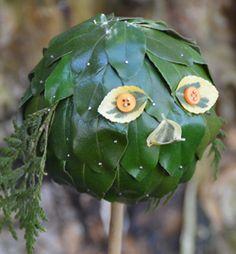 Met allerlei materialen uit de tuin kun je de leukste bladerbeesten maken. Grappige, lieve of juist enge beesten: gebruik je fantasie! Als hij klaar is, kun je het bladerbeest op een bamboestok prikken en in de tuin of in een bloembak op het balkon zetten. Kijk op groei.nl/plantenlol voor de beschrijving