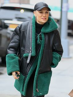 Star Tracks: Thursday, December 31, 2015 | REAL TEAL | Jessie J keeps warm in New York City on Wednesday in a teal-and-black coat and matching hat.