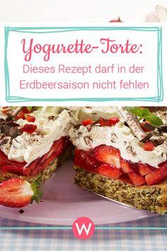 Erdbeeren und leckere Yogurette - jetzt auch als Torte ein Genuss. Hier geht's zum Rezept. #erdbeertorte #torte #backen