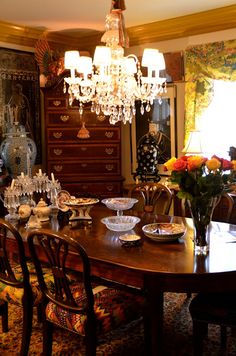 Gorgeous English Country Cottage Dining Room Love The Chandelier Interior Design Ideas And