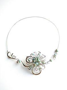 """Náhrdelník+""""..s+duší+na+dlani""""+s+larimarem+Autorský+šperk.Originál,+který+existuje+pouze+vjednom+jediném+exempláři+z+romantické+kolekce+variací+na+květy.Vyniká+jedinečným+kouzelným+prostorovým+tvarem,+množstvím+propracovaných+detailů,+elegantním+nadčasovým+výrazem+a+krásně+jemnou+barvou+larimarových+zlomků.+Prostorový+tvar+vypadá+vždy+luxusně,+zajímavě,... Tvar, Pandora Charms, Brooch, Charmed, Bracelets, Jewelry, Jewlery, Jewerly, Brooches"""