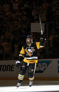 NEW YORK RANGERS VS. PITTSBURGH PENGUINS - GAME FIVE PITTSBURGH, PA - APRIL 23: Bryan Rust #17 of the Pittsburgh Penguins acknowledges the fans after defeating the New York Rangers 6-3 in Game Five of the Eastern Conference First Round during the 2016 NHL Stanley Cup Playoffs at Consol Energy Center on April 23, 2016 in Pittsburgh, Pennsylvania. (Photo by Justin K. Aller/Getty Images)