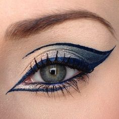Three Essential Make Up Tips: Eyeliner Eye Makeup Art, Makeup Inspo, Eyeshadow Makeup, Makeup Inspiration, Hair Makeup, Eyeshadows, Glitter Eyeshadow, Sephora Eyeshadow, Movie Makeup