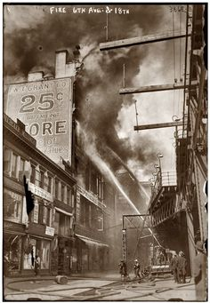 W.T. Grant department store fire at New York's Sixth Avenue and 18th Street in April 1916. George Grantham Bain Collection.