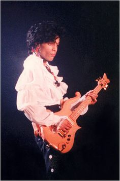 "Classic Prince | 1987 Sign ""☮"" The Times TOUR Belgium - 29 June 1987 - Antwerp, Sportpaleis"