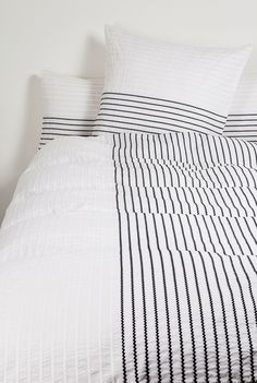 thin stripe bedding