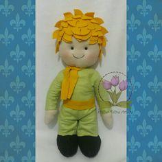 Pequeno Príncipe verde em feltro #pequenoprincipe #pequenoprincipefeltro #lepetitprince #littleprincefelt #tuliparteira