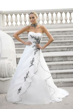 Sale trouwjurken : Ladybird 32040