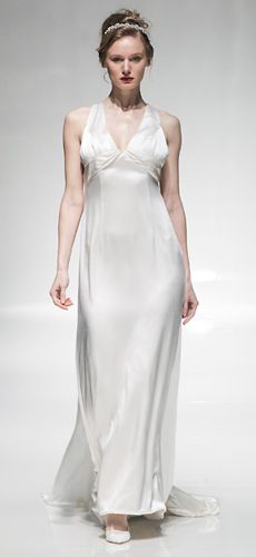 Silky simplicity in this wondeful empire design by Lark Bridal