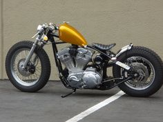 Harley-Davidson XL with yellow accents. Triumph Bobber, Bobber Bikes, Harley Bobber, Bobber Motorcycle, Vintage Motorcycles, Custom Motorcycles, Custom Bikes, Speedway Motorcycles, Custom Choppers