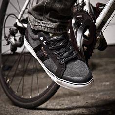 Men's SPD-compatible clipless bike shoe by DZR
