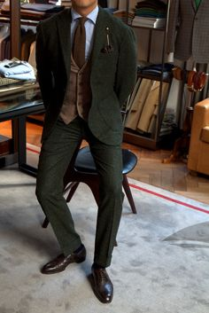 Caccioppoli Green Donegal: Jacket from Ring jacket MTM (Trunkshow March 22-23) Trouser from Ambrosi (Trunkshow February 19 - 20) Tie from Sorley in Wool Cashmere