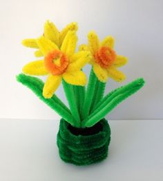 9 Awesome Pipe Cleaner Crafts For Adults And Kids Crafts with pipe cleaners 9 Awesome Pipe Cleaner Crafts For Adults And Kids Arts And Crafts For Adults, Crafts For Teens To Make, Crafts To Make, Kids Crafts, Easter Crafts For Seniors, Senior Crafts, Easter Crafts For Adults, Pipe Cleaner Flowers, Pipe Cleaner Crafts