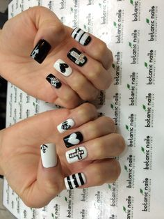 Black and white nails.id probably not have the patience to do this to my own nails.but i love em! Black And White Nail Designs, White Nail Art, White Nails, Black White, Get Nails, Fancy Nails, Hair And Nails, Fabulous Nails, Gorgeous Nails