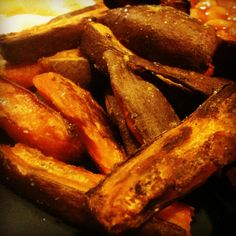 Homemade sweet potato chips - slimming world FREE Slimming World Tips, Slimming World Dinners, Slimming Eats, Slimming World Recipes, Homemade Sweet Potato Chips, Slimmimg World, Healthy Eating Tips, Healthy Foods, Food And Drink