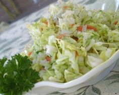 KFC Coleslaw - I love coleslaw! KFC and Chik-fil-A have the best store bought recipe in my opinion. Top Secret Recipes, Great Recipes, Favorite Recipes, Copycat Kfc Coleslaw, Good Food, Yummy Food, Tasty, Cole Slaw, Restaurant Recipes