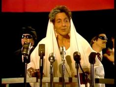 Indira Gandhi with Slim Whitman in Concert - SCTV - 1981 Indira Gandhi, 2nd City, Comedy Show, Comedians, Pop Culture, Tv Series, Gifs, Singer, Slim