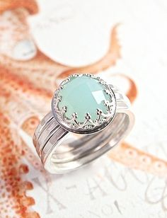 Sea Green Chalcedony Stacking Set - Vintage Design w/ Crown Bezel and Organic Hammered Bands
