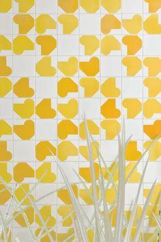 Athos Bulcão - Painel de azulejos, Caixa Econômica Federal de Natal, 1976. Foto: Edgar César Filho - Handmade tiles can be colour coordinated and customized re. shape, texture, pattern, etc. by ceramic design studios