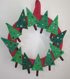 Killer Crafts & Crafty Killers: CRAFTS WITH ANASTASIA - CHRISTMAS TREE WREATH