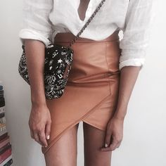 Linen and Zaliah leather for dinner... Tan leather @zaliahinsta skirt with a little #Chanel