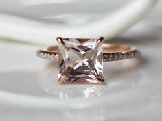 Since I'm not a big fan of diamonds: Rose gold and morganite. So stunning. So yes.