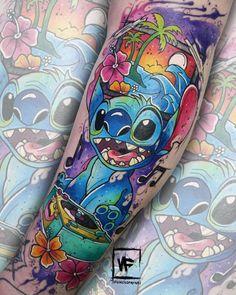 Finalmente: tatuagem geek feita por artistas geeks! - Blog Tattoo2me Blackwork, Estilo Geek, Geeks, Watercolor Tattoo, Geek Stuff, Tattoos, Blog, Animals, First Tattoo